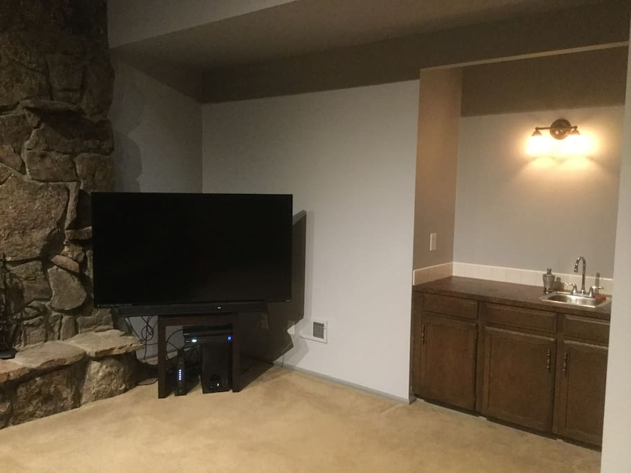 65 inch TV w/ Cable/Netflix/Hulu/Amazon Prime