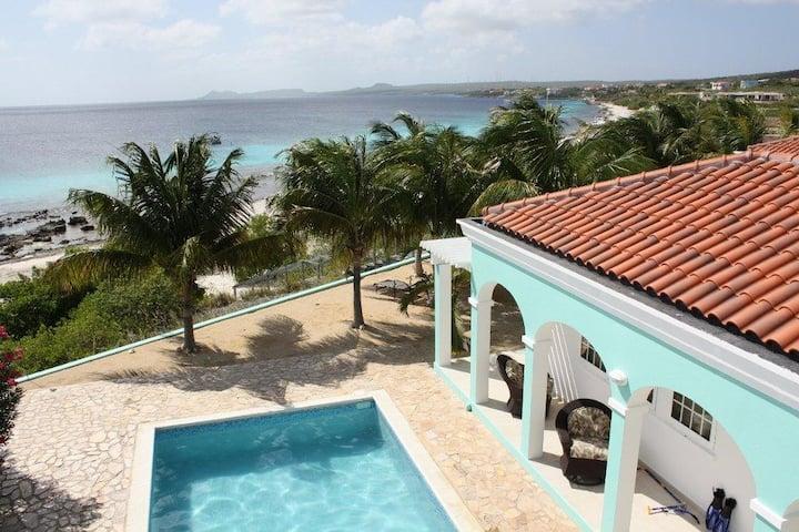 Villa Paradise Found