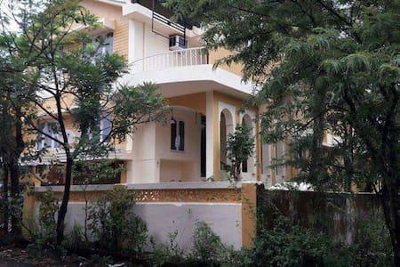 Sea side 3 bedroom villa panjim - Dona Paula - บ้าน