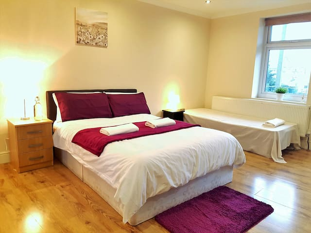 Modern En Suite room in London