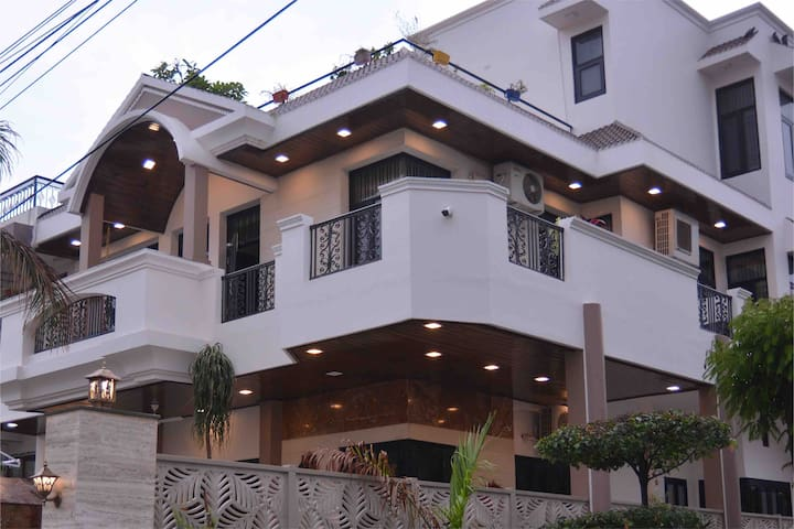 PUSHPANJALI, the Boutique Stay