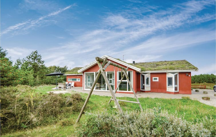 Holiday cottage with 6 bedrooms on 162m² in Rømø