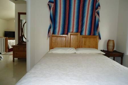 Peacock Lake house Room 4 - Live Oak
