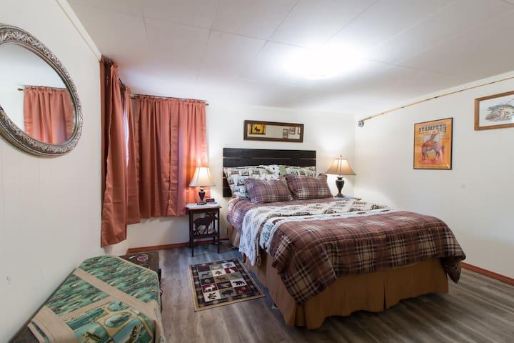 2nd Bedroom; Queen Bed, Lots of Space