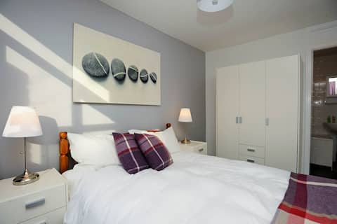 Stylish Spot in Shawlands-5 min from Queen's Park