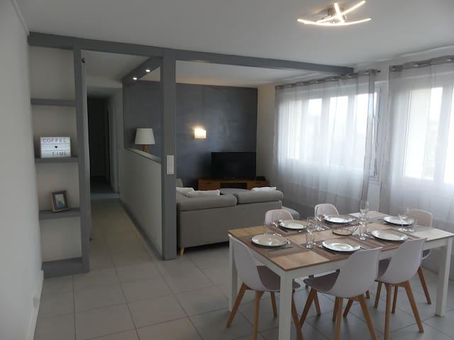 Bel appartement rénové avec 3 chambres