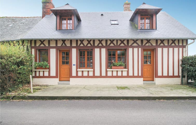 Semi-Detached with 2 bedrooms on 75m² in Le Bourg-Dun