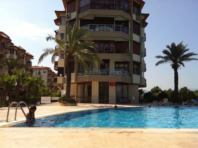 Denize 0 yazlık daire - Konyaaltı - Apartamento