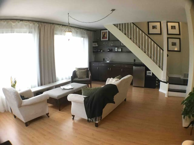 Private guest suite close to downtown Oshawa