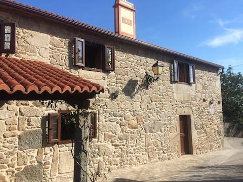 Casa de piedra tranquila en Negreira.