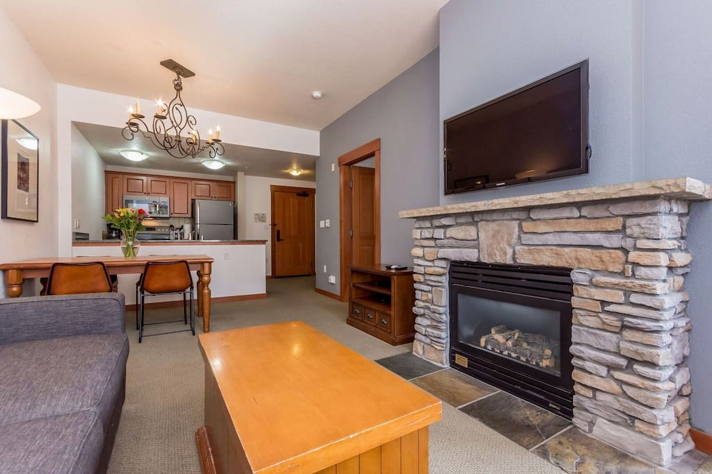 The Village Grand Sierra Lodge Steps To Gondola Condominiums For Rent In Mammoth Lakes