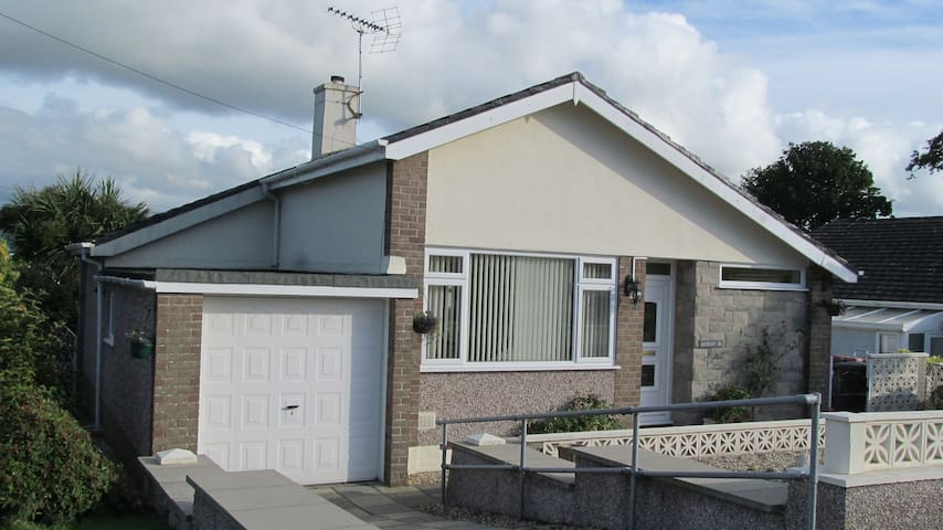 Detached bungalow with mountain view, Menai Bridge