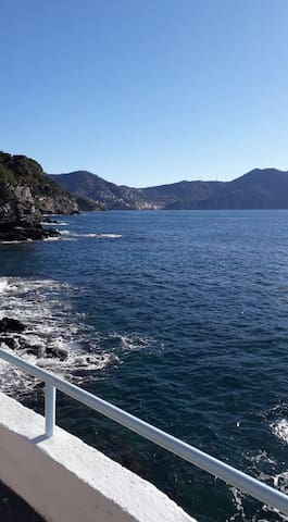 Between Genova and Portofino, nice flat