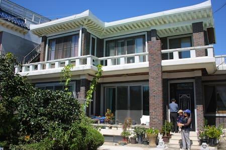 Family local house, 2nd floor area - 신동 - Rumah
