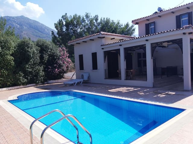 Villa Robertson in Girne with Private Pool