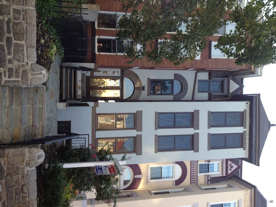 Live like a true Washingtonian! Originally built in 1911 and renovated in 2010, the apartment is one of three units in this classic DC townhouse. Street parking is available with a parking pass I provide during your stay.