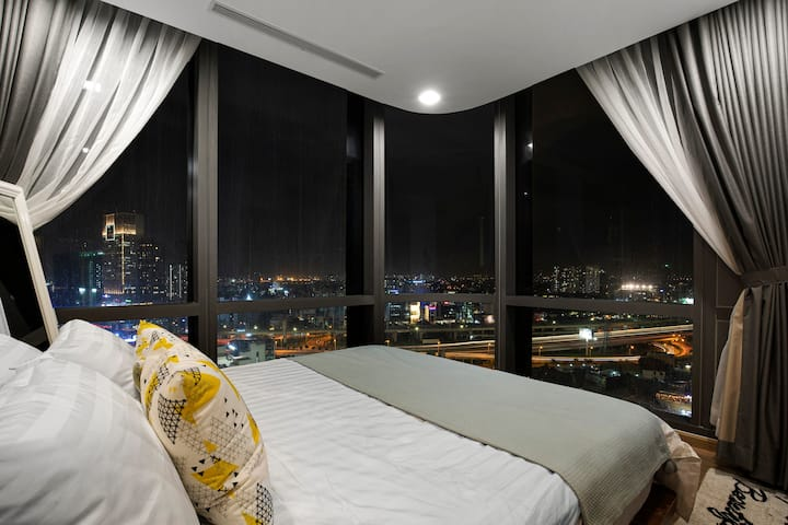 "2BR ""Real LANDMARK81""Vinhomes(CanBook)PanoramaView"