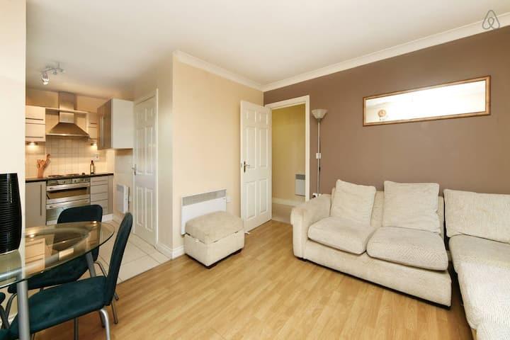 London spacious 2bedroom apartment