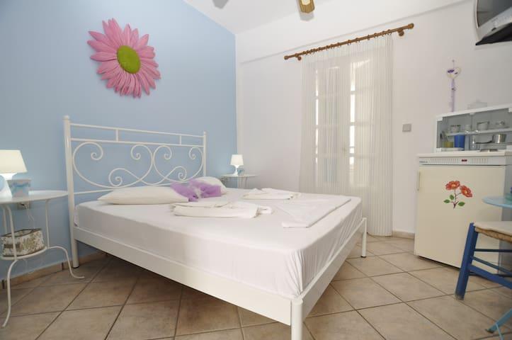 Manos studios for 2 - Posidonia - Apartment