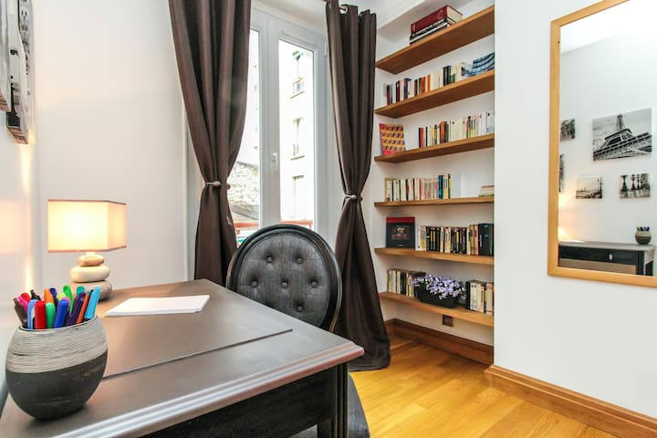 Romantic Paris 2 rooms top location