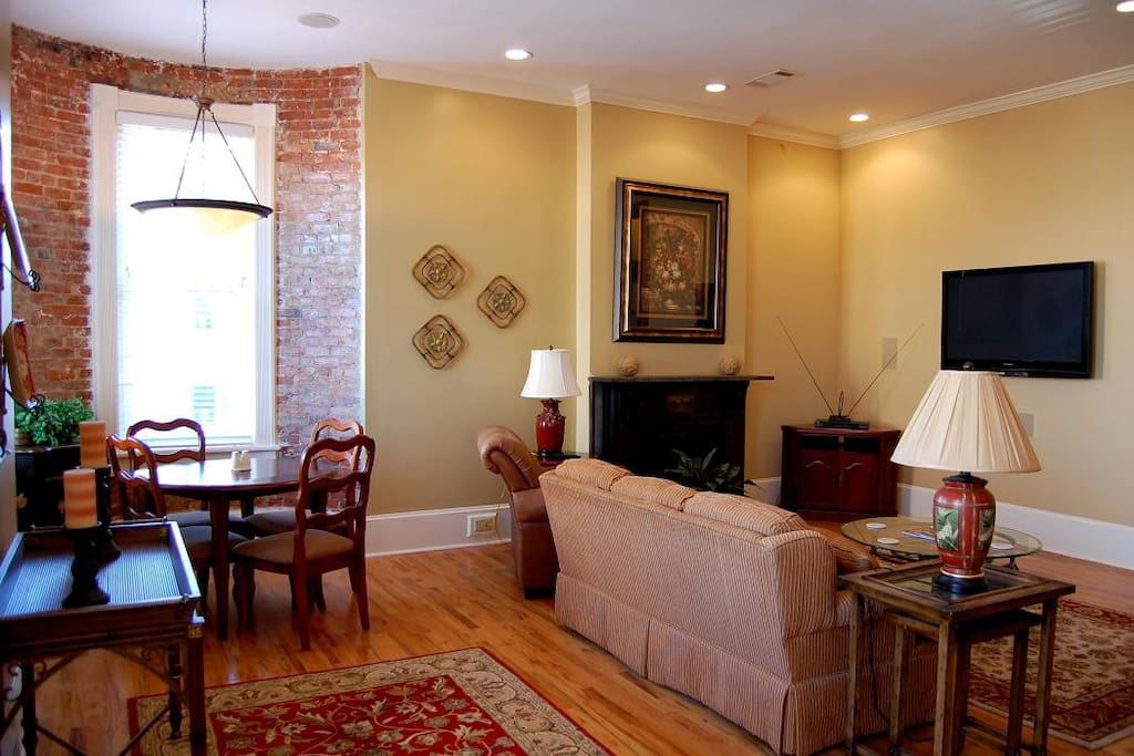 Breakfast nook and living area.