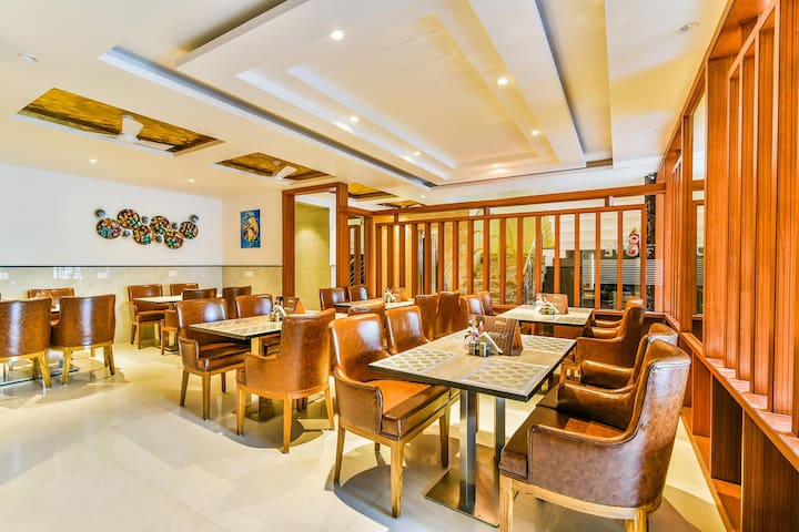 Stay with a pinch of comfort    Near New Delhi Airport   