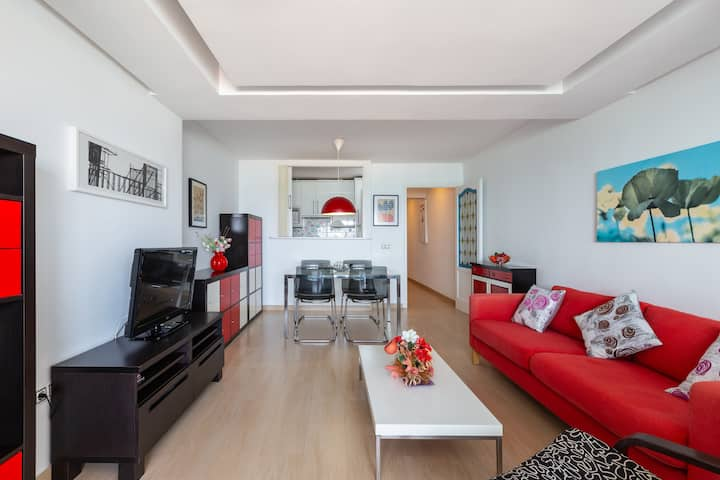 """Charming apartment """"Eden Roc I"""" in front of the Beach with Sea and Pool Views"""