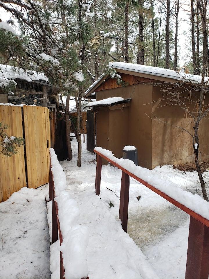 Very tiny private ski shack.   Lakeside-Pinetop