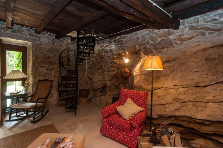 Casa de Pedra - CASAS DA MARIA