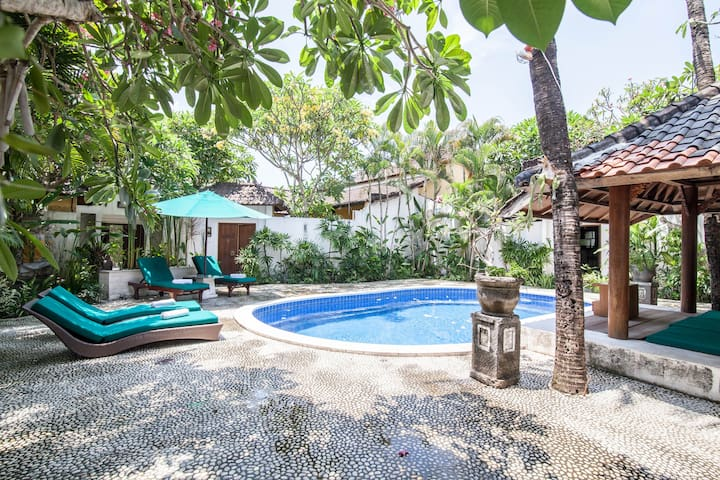 Beach Villa 1 BedRoom Breakfast - Kuta