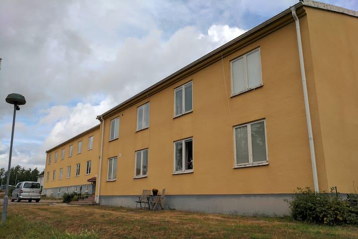 Rum nära flygplatsen i Västerås
