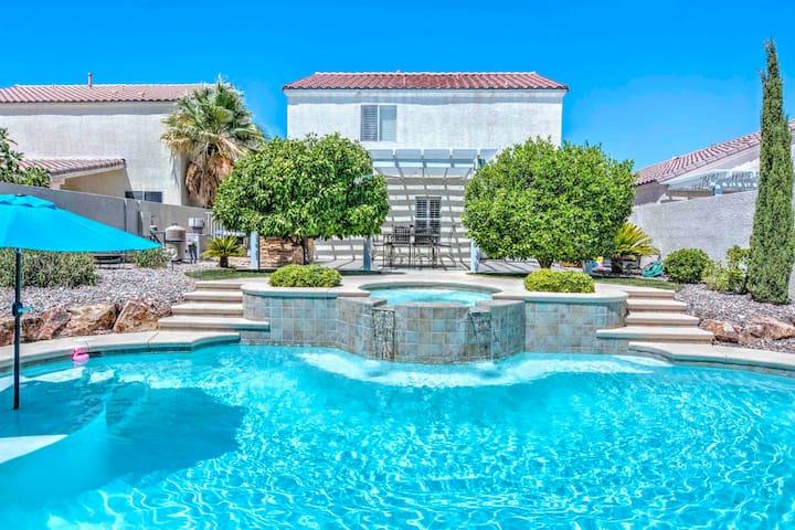 Gorgeous house,Heated Pool&Spa,8 sleep,8min2STRIP