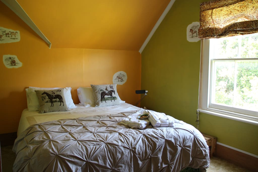 the Green Pony Room for 2