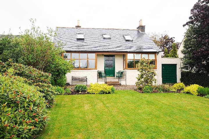 Greenways,  whole family home in Banchory