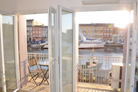 apartment with  canal & sea views  - Sète - Flat