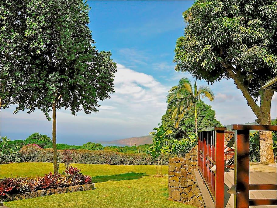 Lanai view to park-like grounds and Kealakekua Bay