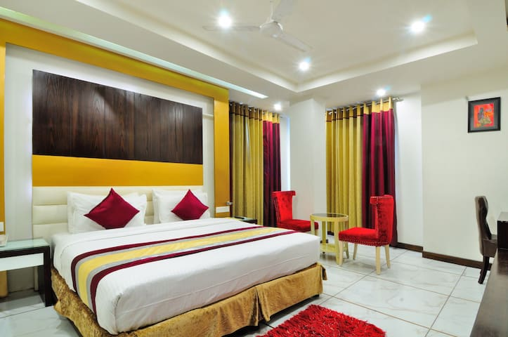 Classic Rooms @ Central Delhi