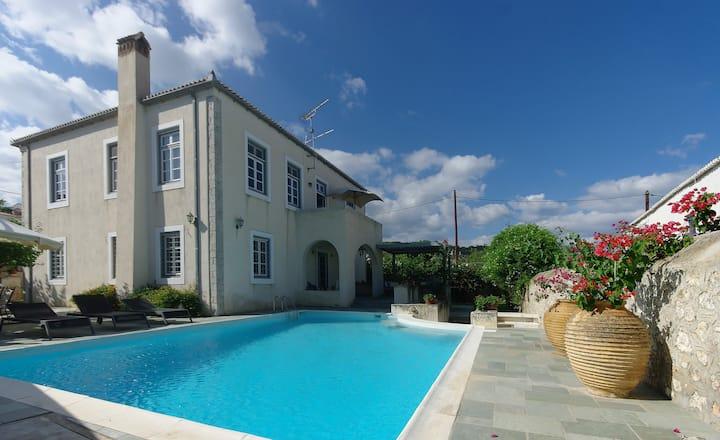 Villa 1853, Spetses