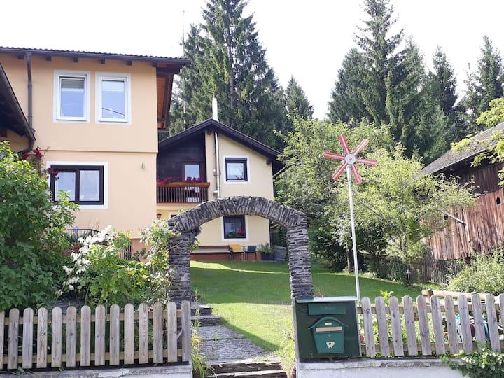 Kleines, idyllisches Ferienhaus nahe am Faaker See