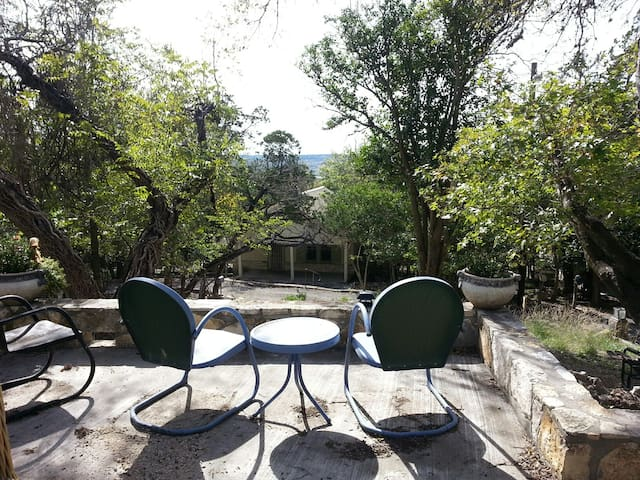 Hill Country Hillside - Kerrville - House