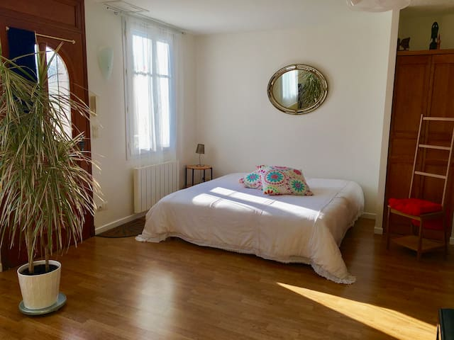 Studio spacious calm 1 with piano - Saint-Cyr-sur-Loire - Apartment