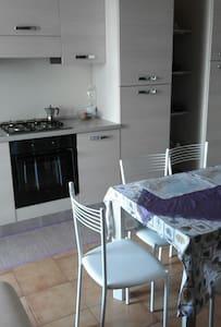formia appartamento confortevole ad un km dal mare - Formia