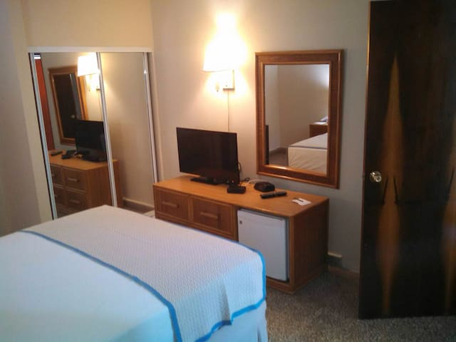 Hotel room for 4 persons. Canario - San Juan - Bed & Breakfast