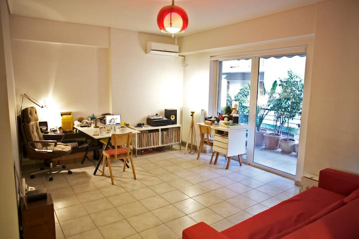 living room / working space