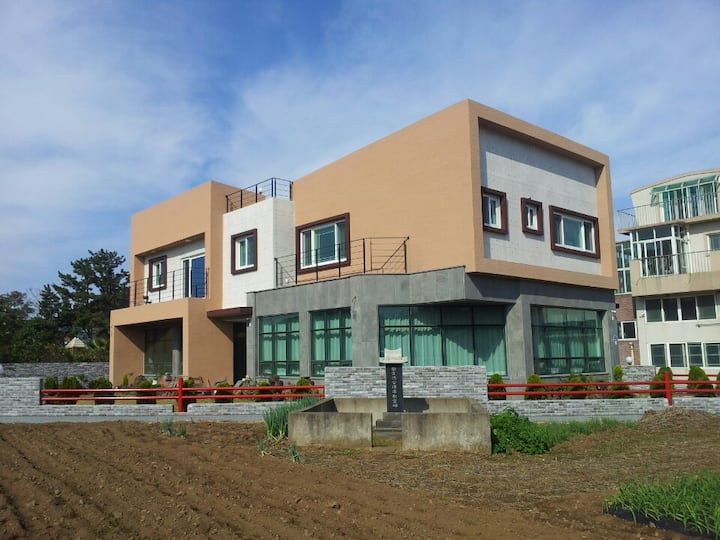 Beautiful Country House in Jeju