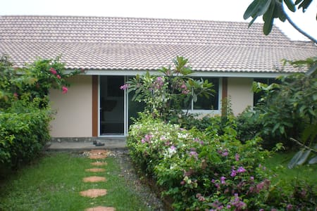 Nice and quiet moutain view home - Sam Roi Yot - Rumah