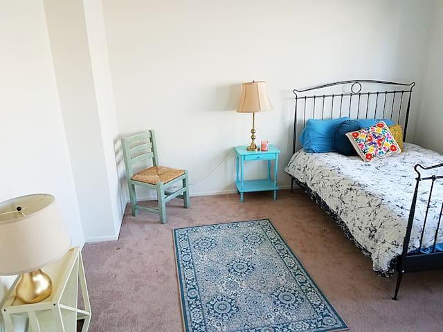 AMAZING LOCATION! Sherman Oaks apartment