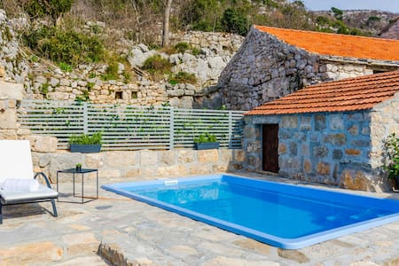 Holiday cottage with 3 bedrooms on 126m² in Brotnice