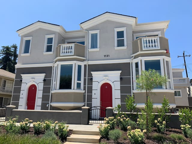 Beautiful!New  townhouse 3 bedrooms 3 baths