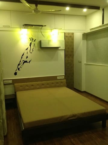 Luxury double room with AC - Kolhapur - Appartement